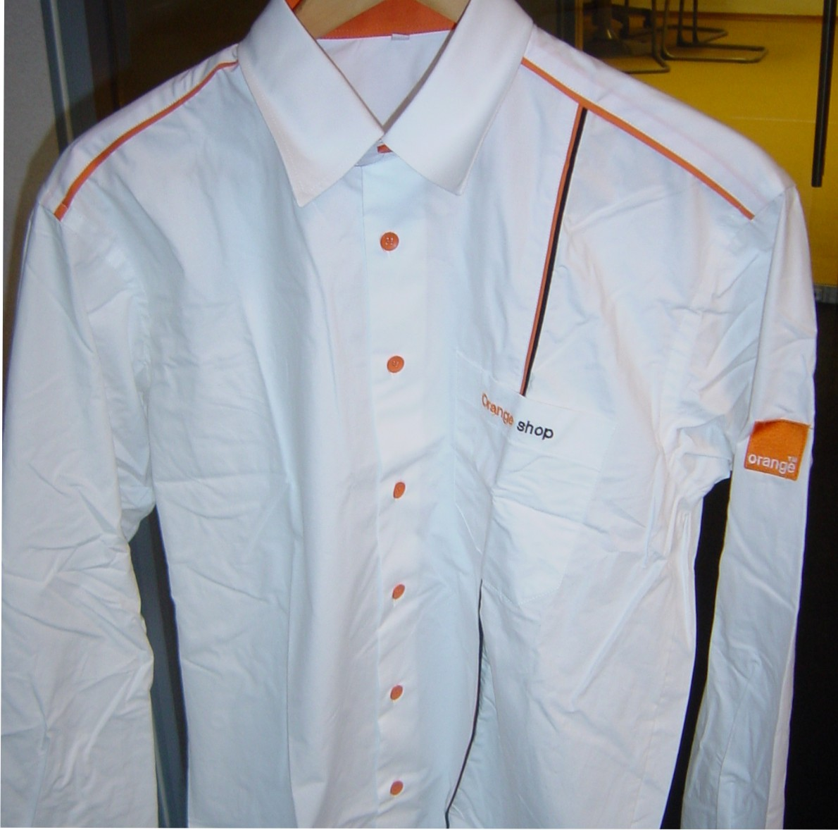 camasi si tricouri personalizate